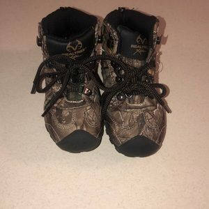 ☘️ Kids real tree camo boots